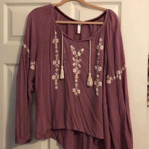 Cute purple top!